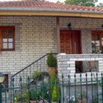 Επένδυση με σκαπιτσαριστά τουβλάκια σε σπίτι