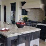 Εφαρμογη σκαπιτσαριστων σε κουζινα